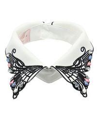 axesPOETIQUE蝶刺繍つけ襟タグ付きキナリ
