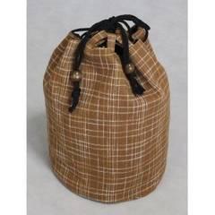 新品 和柄地の巾着袋 綿100% 茶色格子柄