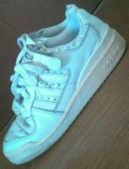 used �adidas� ���ŃJ�b�R���� white�X�j�[�J�[ 23.5�`24