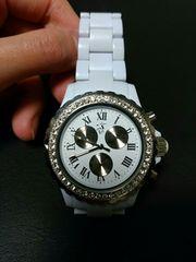 腕時計 新品 ホワイト×ストーン