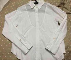 ヨークキリカエregシャツ。白