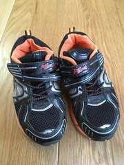 履きやすい!男の子 運動靴 18cm