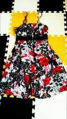 ☆白地に赤と黒の花柄キャミワンピース*前あき