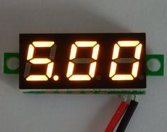 ミニサイズ デジタル電圧計 黄 【簡単2線式/別電源不要】