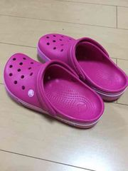 crocs新品ピンク
