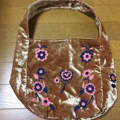 COCUE☆ベロア生地お花刺繍のキャメル色BAG