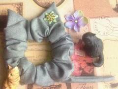 ハンドメイド*・゚雪の結晶飾り♪グレーネコモチーフシュシュ猫耳&シッポ