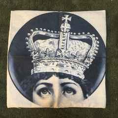 フォルナセッティ モチーフ クッションカバー 王冠
