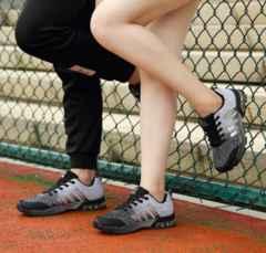 スポーツ軽量 クッション性 カジュアル デイリー黒白2