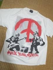 ピース ミリタリー系 Tシャツ 楽器が武器