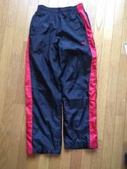 美品プーマウォーマーパンツ/150cm/黒×赤