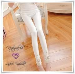 新作★大きいサイズ2L フェイクパール&裾刺繍レース ストレッチレギパン*白