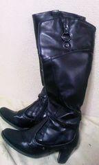 モバオクで買える「ロングブーツ黒」の画像です。価格は1円になります。
