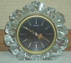 1983年製高品質な日本製SEIKOクリスタル置時計アラーム付き