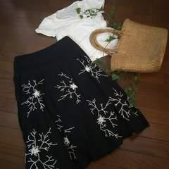 〇ZARA〇刺繍使いのボリュームフレアスカート*・゜