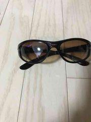 オークリーのサングラス。中古美品です!