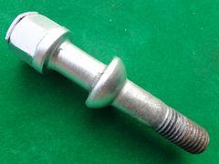 メルセデスベンツ W210 E320 純正ボルト 全長85mm 希少 廃番品!