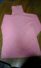 ほぼ未使用 トップス ピンク色 タートルネック