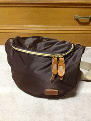 グリップス レザー×ナイロン ショルダーバッグ 革鞄 茶+ベージュ 日本製 オロビアンコ