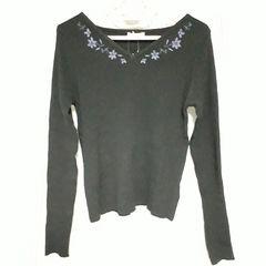 【新品】ハートネック衿刺繍ニットプルオーバ/アースミュージック&エコロジー