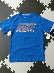 新品NIKEナイキ★半袖Tシャツ(140/青オレンジ柄ロゴ)�A