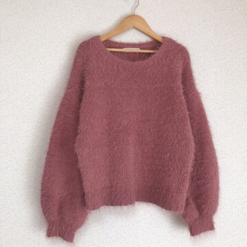 美品 きれい色、ふわふわもこもこシャギーニット セーター♪