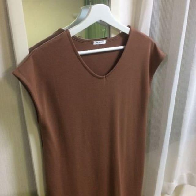 VネックTシャツワンピース < 女性ファッションの