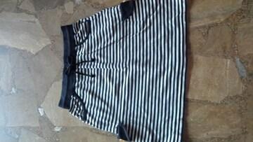 ミニスカート・白×黒・ボーダー