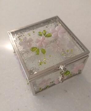 桜モチーフ ガラスの小物入れ♪