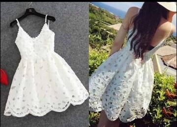 白ホワイトフラワースカラップフレアキャミワンピースドレス