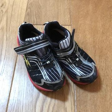 格安!男の子 運動靴18cm
