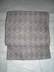 十字唐草紋様の名古屋帯