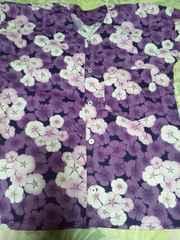 ☆新品濃紺×紫なでしこ花びら柄ダボシャツM
