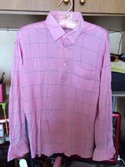 薄いピンク柄物ポロシャツ長袖