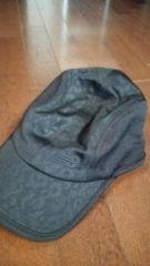 美品ニューバランス帽子黒迷彩