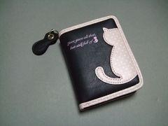 【即決 激安】可愛らしい〜猫ちゃん2つ折財布 新品 黒系