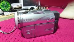 キャノン ビデオカメラ本体とバッテリー