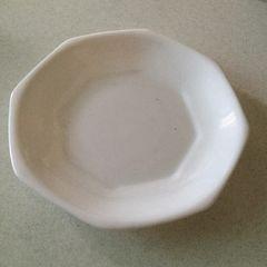 新品 非売品 八角形のシンプルなお皿