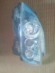 30型プリウス純正ヘッドライト左側小傷有り現状販売