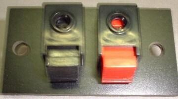 小型端子45mmX24mmスピーカーBOX製作に。R-L用2個