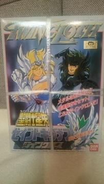 新品 聖闘士星矢 プラモデル ツインクロス キグナス氷河&暗黒 再版品 2001