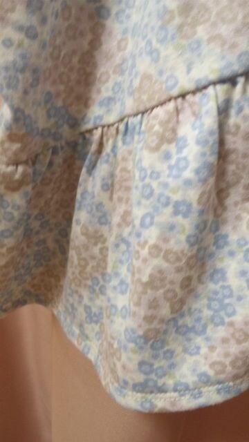 新品ポンチョ風ドルマンカットソーLL小花柄ミセス < 女性ファッションの