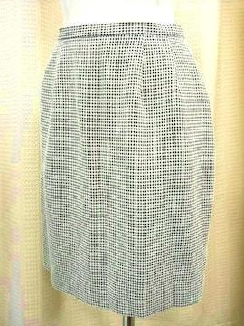 【ディアプリンセス】ネイビー/白のミニスカートです