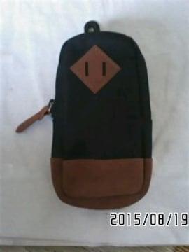 ZOFF・リュック風バッグ型サングラスポーチ。ブラック