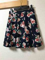 ★INGNI  ネイビー×花柄スカート  M★
