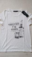 ♪新品AZUL by moussyオフホワイトウイスキープリントTシャツS