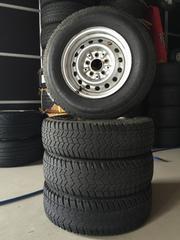 100系ハイエースバンスチールホイール+バンタイヤ4本セット!