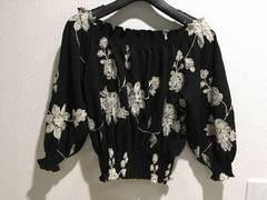 SHAKESHAKEシェイクシェイクオフショルダー花柄トップスフラワー黒ブラック