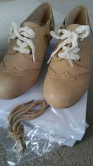 23、0サイズ!新品!アウトレット!替え紐付き!ヒール4�p程度合成皮革靴