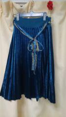 レトロガール RETROGIRL ブルーのプリーツスカート ベロア光沢